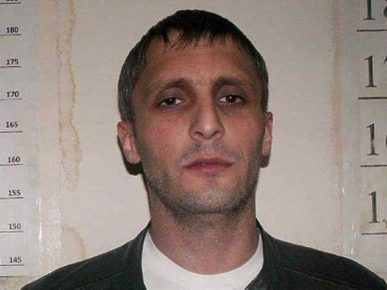 Обвиняемый в убийстве жены и дочки в России азербайджанец покушался на жизнь полицейского