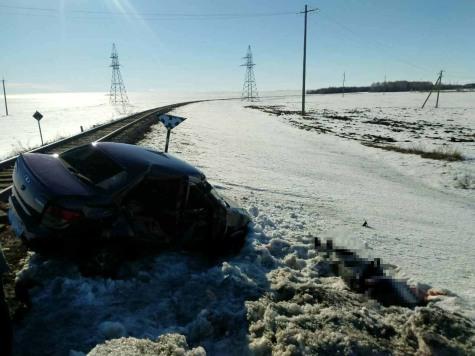 ВТюльганском районе шофёр «Гранты» умер при столкновении степловозом