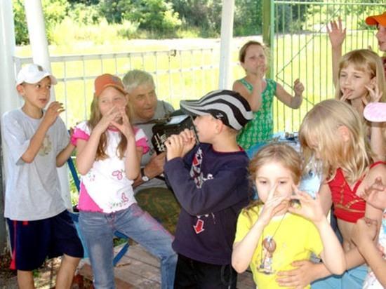 В школьных лагерях Оренбурга не могут принять всех желающих
