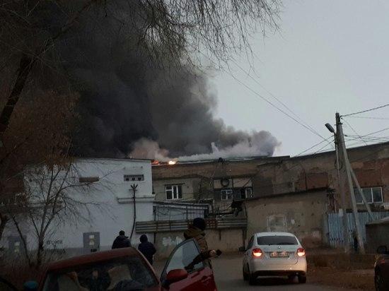 В Оренбурге в ТК «Мир» во время пожара обвалилась кровля