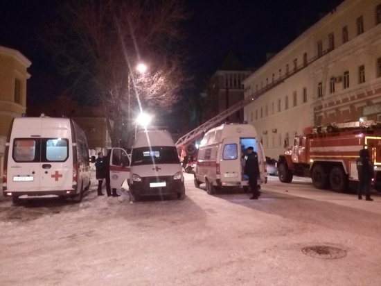 В Оренбурге на пожаре в многоквартирном доме пострадали два человека