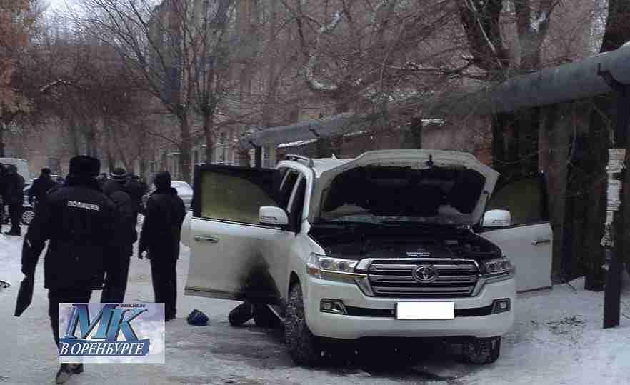 ВОренбурге зарезали бизнесмена смалолетним сыном
