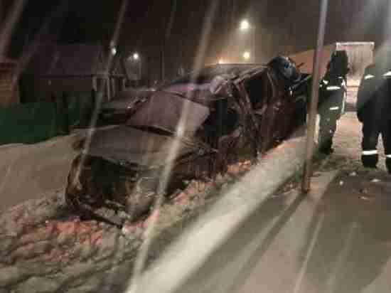 На трассе Казань-Оренбург легковушка столкнулась с тяжеловесом лоб в лоб
