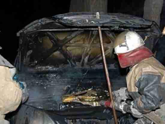 В Оренбурге на Майском проезде ночью сгорел автомобиль