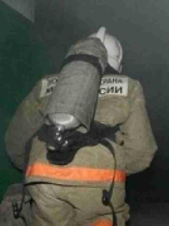 В Бузулуке пожарные спасли двух женщин и эвакуировали 25 человек